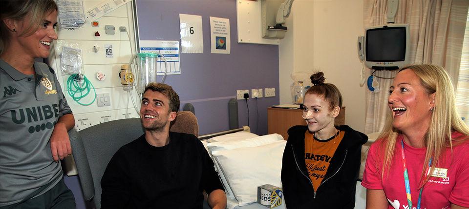 Patrick Bamford pays visit to Leeds Liver Unit