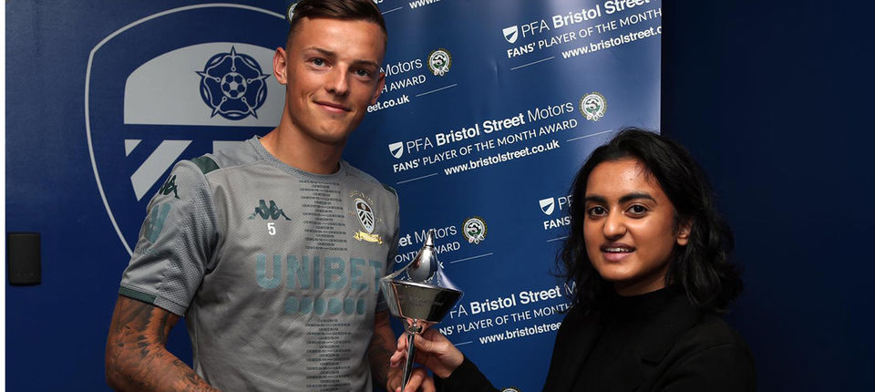 Ben White presented with PFA Fans\' Player of the Month Award