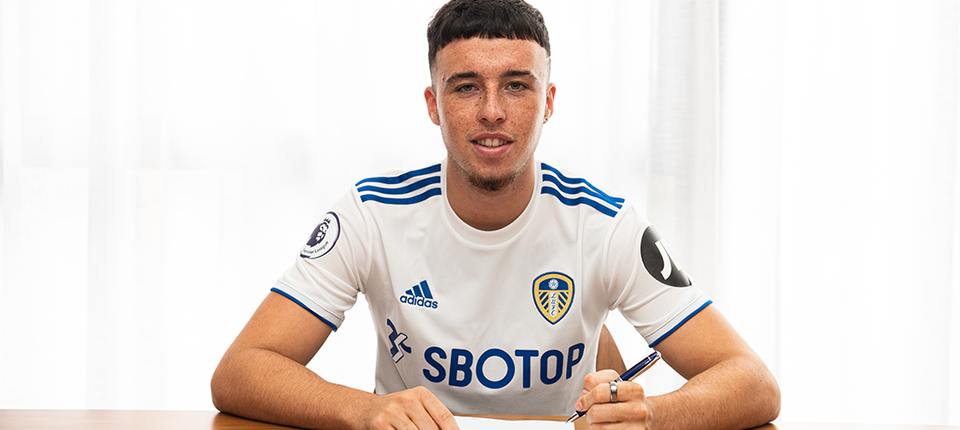 Leeds United complete Sam Greenwood signing