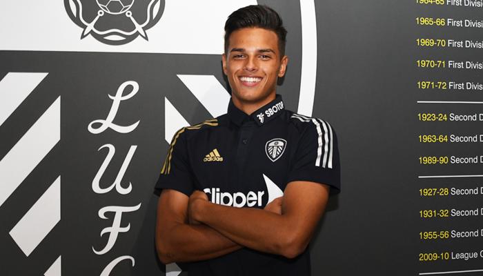 Leeds United sign Dani van den Heuvel