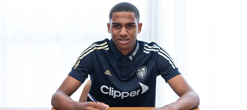 Leeds United complete Cody Drameh deal
