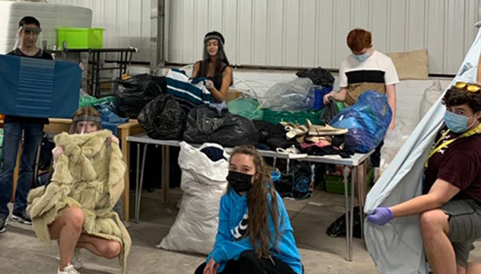 NCS youngsters volunteer with local Support Centre