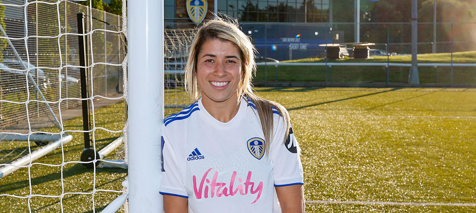 Leeds United Women welcome Kathryn Smith to the team