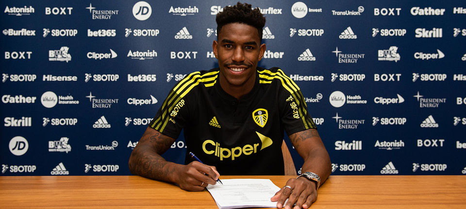 Junior Firpo moves to Leeds United from FC Barcelona