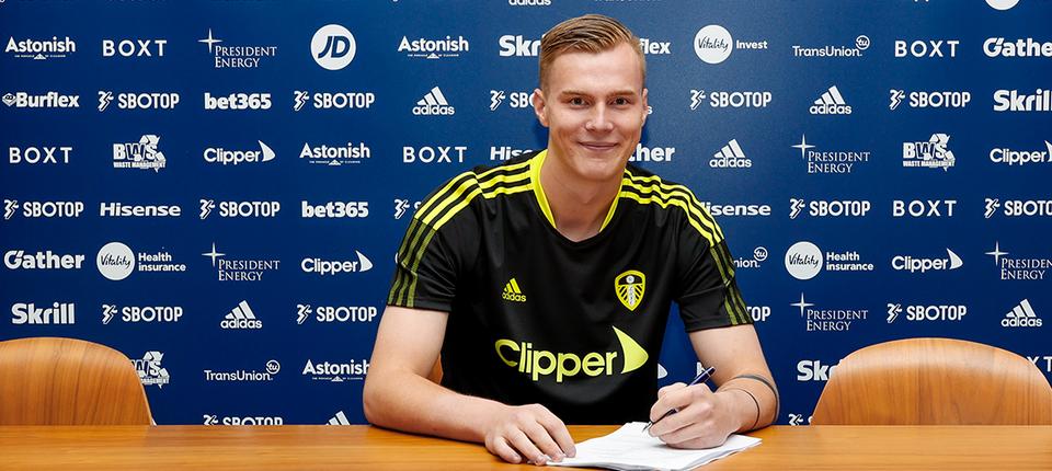 Kristoffer Klaesson completes move to Leeds United