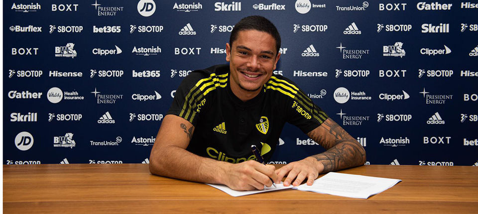 Elia Caprile completes loan move