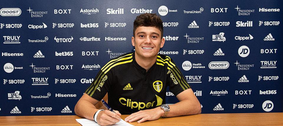 Daniel James signs for Leeds United