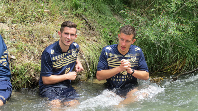 GALLERY: NATURAL ICE BATH