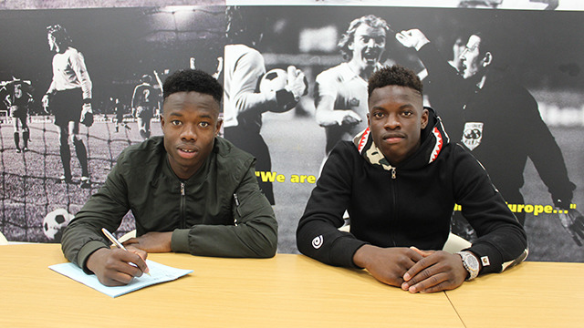 VIEIRA TWINS SIGN UP