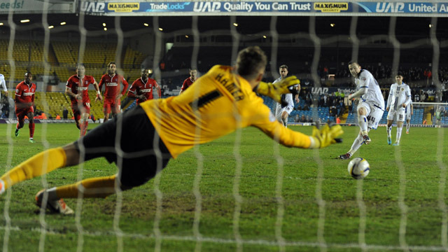 PENALTY SAVE DENIES UNITED