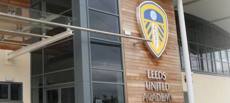 Leeds släpper schema för träningsmatcher