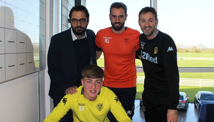 JACK CLARKE SIGNS PROFESSIONAL CONTRACT