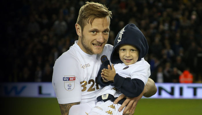 LEEDS UNITED RAISE £200,000 FOR TOBY NYE