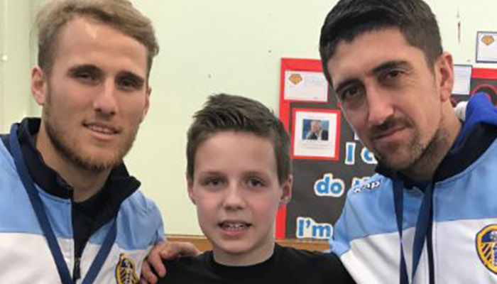 SAIZ AND HERNANDEZ VISIT WHITES FAN AT PRIMARY SCHOOL