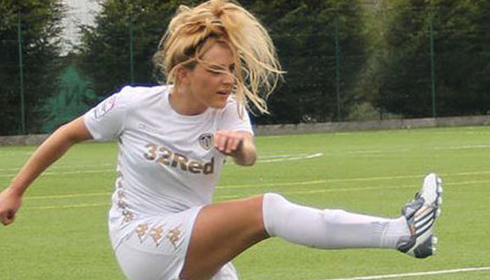 WHITES LADIES FACE MOUSEHOLE IN FRIENDLY TIE