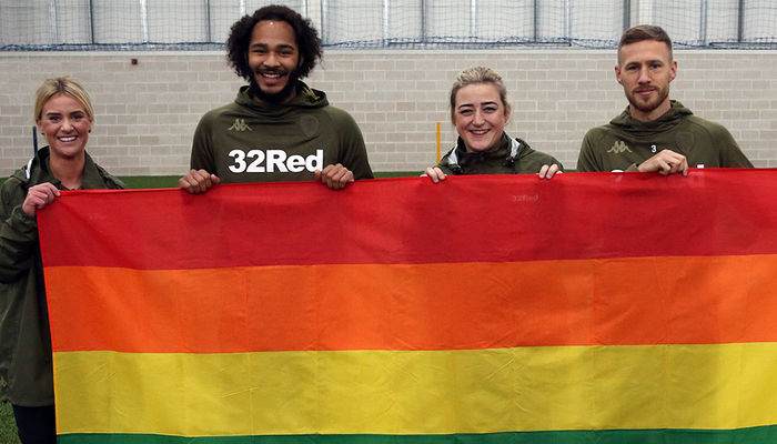 CLUB SHOW SUPPORT FOR RAINBOW LACES