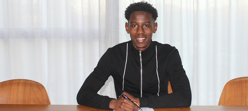 CLARKE ODUOR SIGNS NEW DEAL